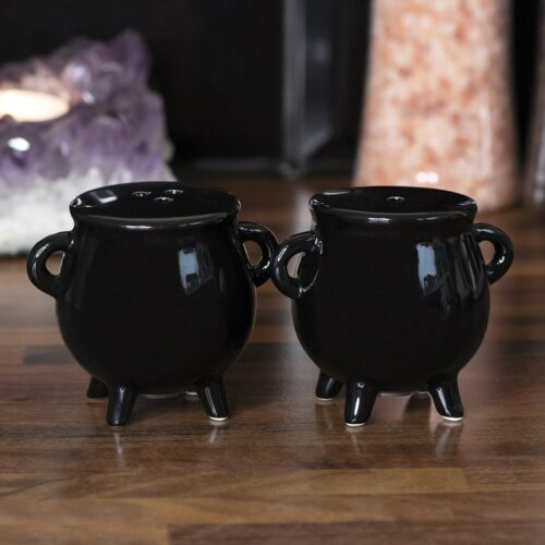 witches-salt-and-pepper-cauldron